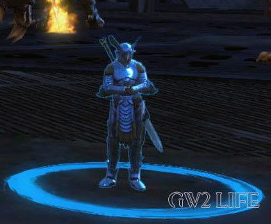 guild-wars-2-mini-pet-Seraph-Heavy-Guard